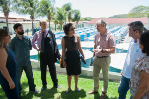 Diplomata australiana visita o Laboma